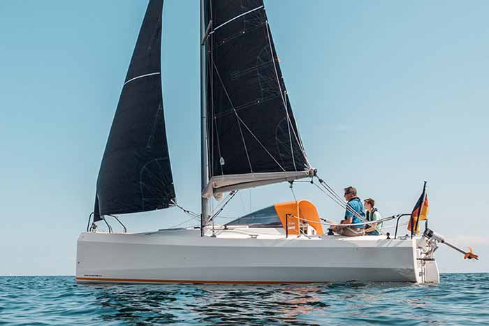 Yachtcharter Ostsee Bente24 Rote Sonne a